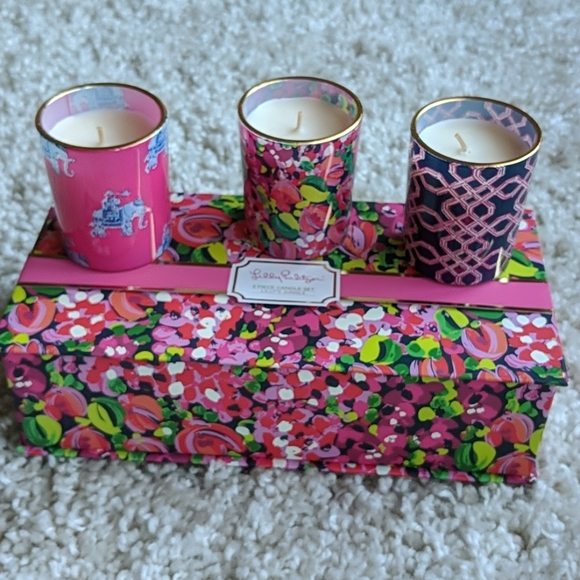 NIB Lilly Pulitzer 3 piece candle set